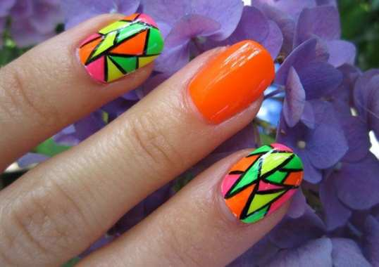 neon-nail-art-15