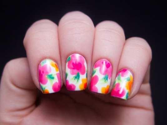 neon-nail-art-16