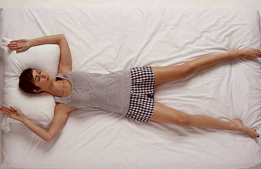 sleep-posture-reveal-your-persona-on-back-hands-legs-spread-out