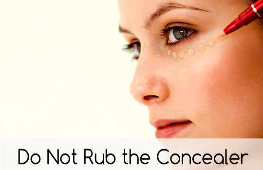 unconventional-makeup-tips-concealer-3