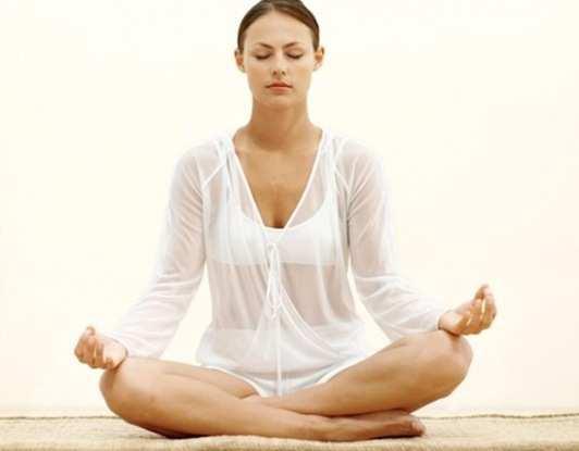 women-in-Meditation