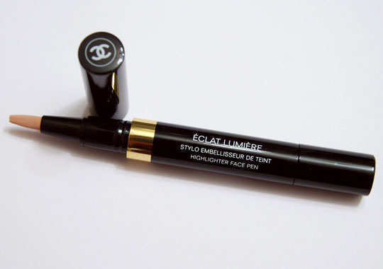 best-branded-concealers-for-make-up-chanel-eclat-lumiere