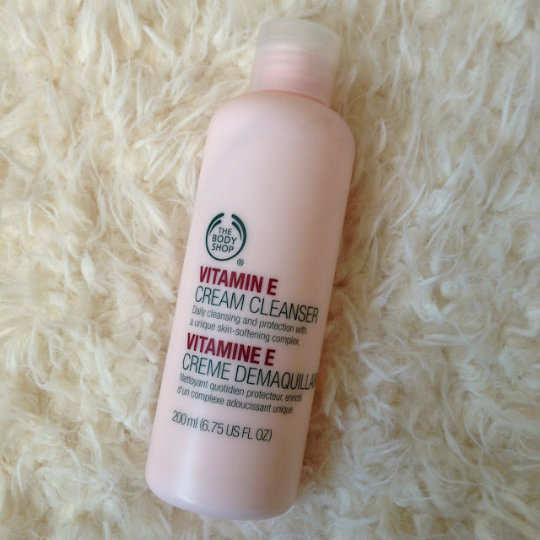 The-Body-Shop-Vitamin-E-Cream-Cleanser