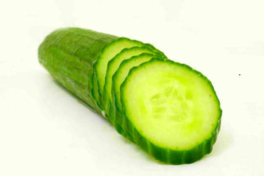 13-foods-to-keep-you-hydrated-cucmber