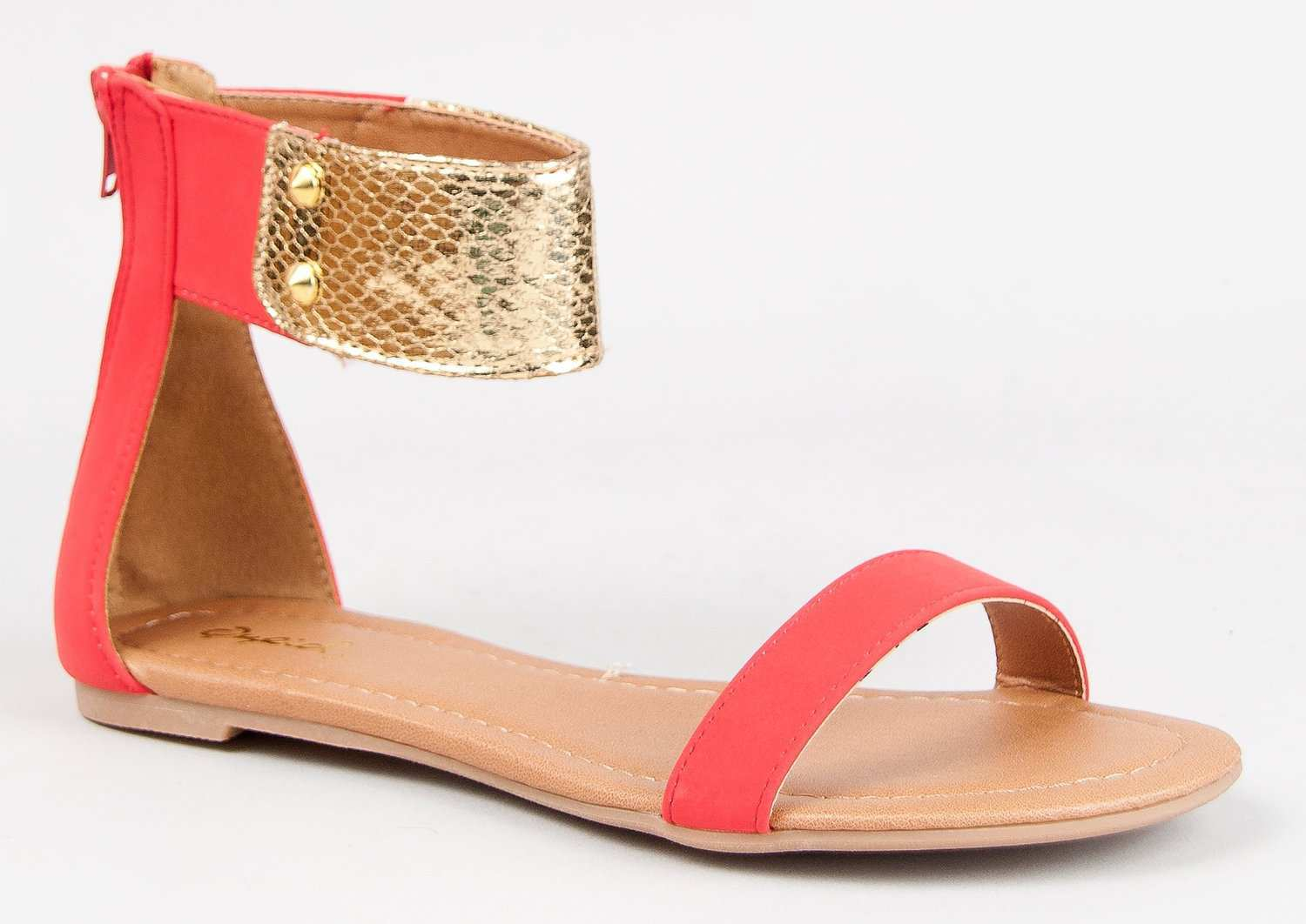 02e881f93cf Summer-ify Your Shoe Collection With These Warm Weather Flat Sandals !