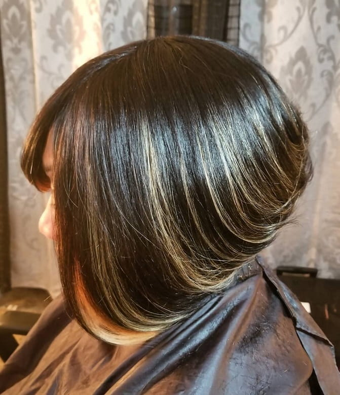 black weave bob with blonde highlights
