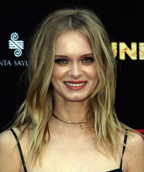 Sara Paxton with blonde hair