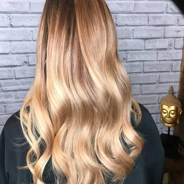 honey blonde balayage long hair