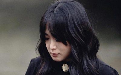 layered hair with bardot bangs