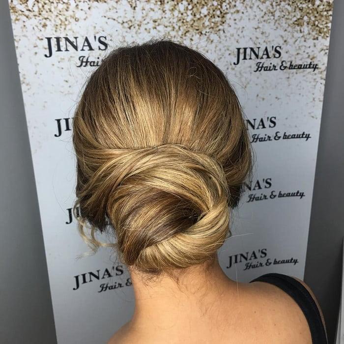 caramel blonde knot