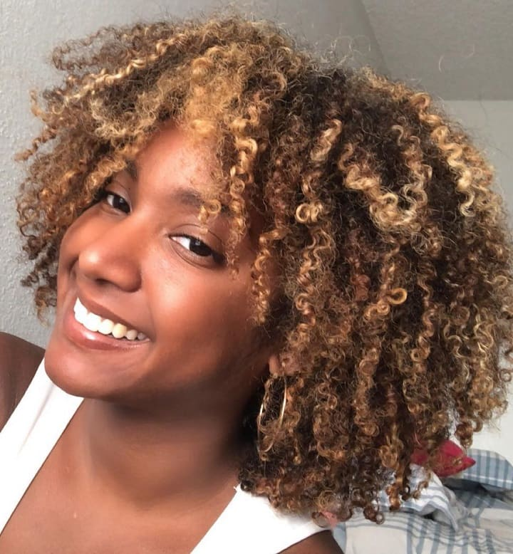 Pintura Highlights 15 Fetching Looks For Curly Haired