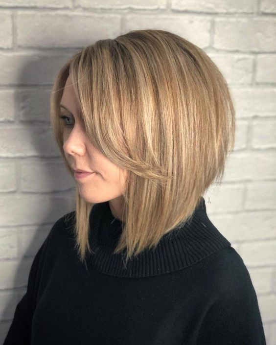 short shaggy bob with side bangs