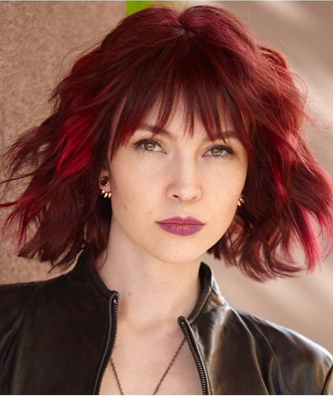 red short shaggy hairstyle for fine hair