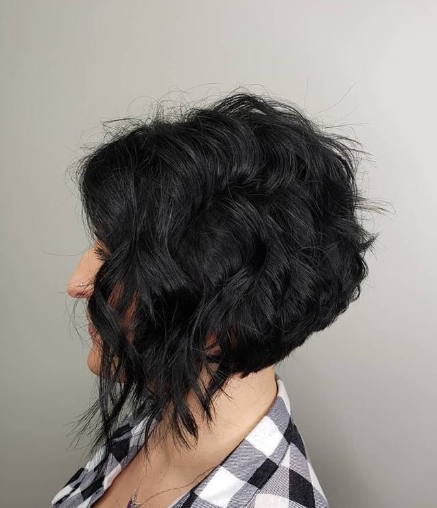 medium length stacked layered bob